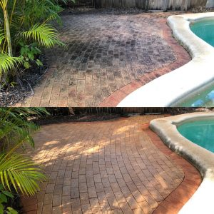 Cairns pressure cleaning tiles (before & after)