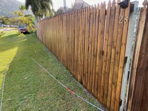 Cairns pressure cleaning fences (after)